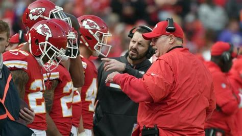 Chiefs fans boo during 16-10 loss to Bills   The Kansas