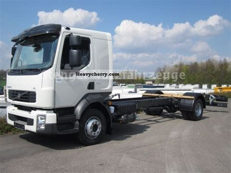 Volvo FLL 240 HP NEW 14-ton air conditioning immediately